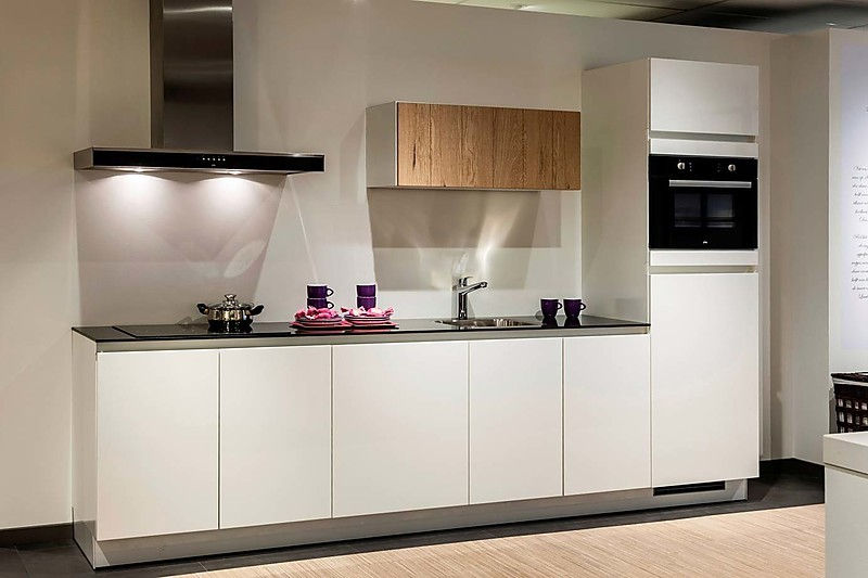 Poggenpohl Keuken Aanbieding : Greeploze keuken: showroomkeuken in Haarlem van Keur Keukens b.v