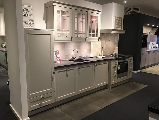 Nobilia showroomkeuken showroommodel keuken model chalet voorzien
