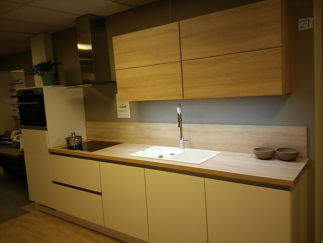 Nobilia Showroomkeuken Hoogglans Keuken Semi Greeploos Showroomkeuken In Varsseveld Van Wansing Keukens