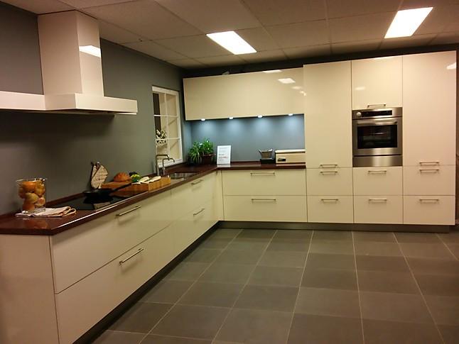 Overige Showroomkeuken Royaal Magnolia Hoogglans Keuken Showroomkeuken In Varsseveld Van Wansing Keukens