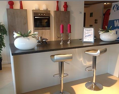 Eiland keuken showroom meer dan afbeeldingen over kitchen op werkbladen - Keuken centrum eiland ...