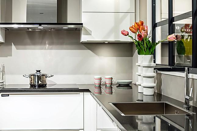 Poggenpohl Keuken Aanbieding : keuken: showroomkeuken in Nunspeet van Arma Keukens en Sanitair b.v