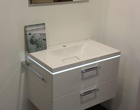 Uitverkoop meubels - badkamer: wastafels afgeprijsd