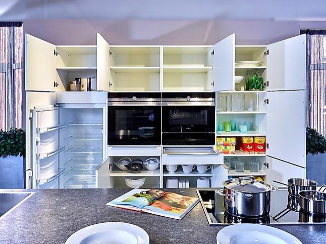 Sch ller showroomkeuken elegante keuken met kookeiland showroomkeuken in nordhorn van - Prijzen bulthaup b ...