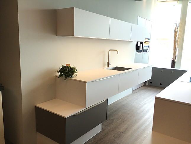 Nobilia Showroomkeuken Moderne design eiland keuken