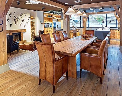 Uitverkoop meubels eetkamer stoelen afgeprijsd