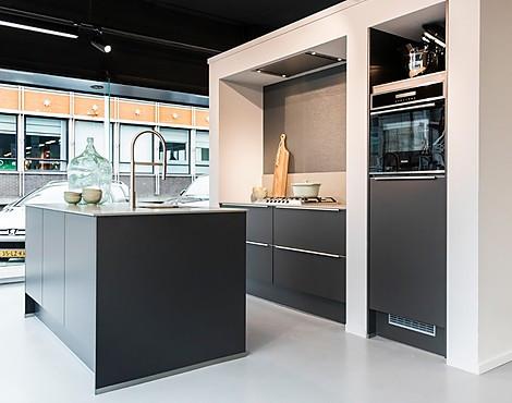 Keuken Met Kookeiland : Showroomkeukenbeurs showroomkeuken met kookeiland
