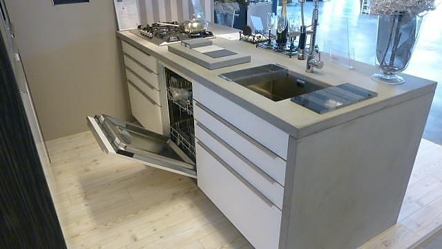 Keuken Afmeting Kookeiland : Brigitte-Showroomkeuken Kookeiland met 7x Bosch apparatuur