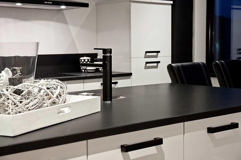 Poggenpohl Keuken Aanbieding : Overige-showroomkeuken Keuken met keukeneiland: showroomkeuken in von