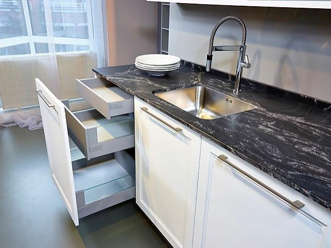 Schu00fcller - Cambia (Koje 62 KH) Moderne landelijke keuken met eiland