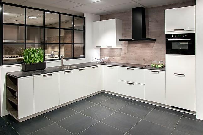 Keukens Sint Annaland : Overige showroomkeuken tijdloze keuken showroomkeuken in sint