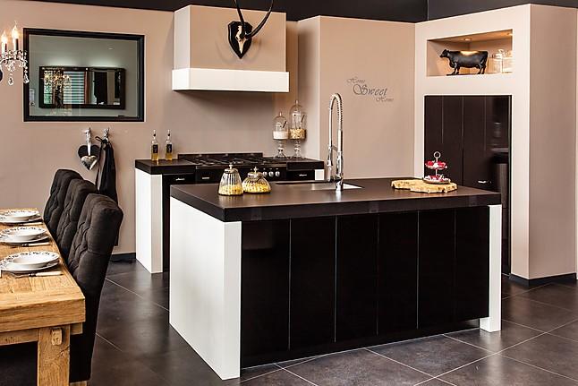 Overige showroomkeuken keuken met keukeneiland showroomkeuken in