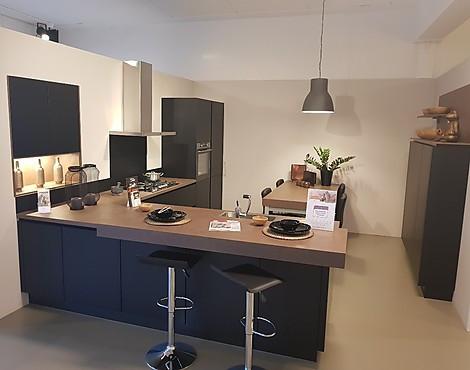 Showroomkeukenbeurs uitverkoop luxe keuken als showroomkeuken