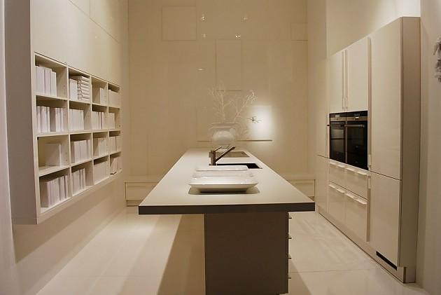 Keukeneiland Met In Hoogte Verstelbaar Werkblad : Hier ziet u hoe een ...