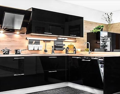 Showroomkeukenbeurs: keuken met hoogglans fronten in de uitverkoop