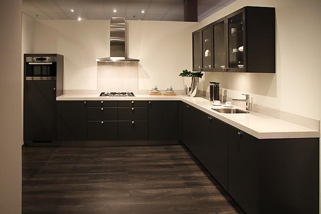 Overige showroomkeuken landelijke keuken showroomkeuken for Keuken marmer blad