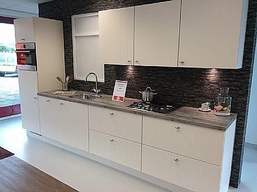 Nobilia Showroomkeuken Modern landelijk keukenblok in magnolia lak  showroomkeuken in Dieren van