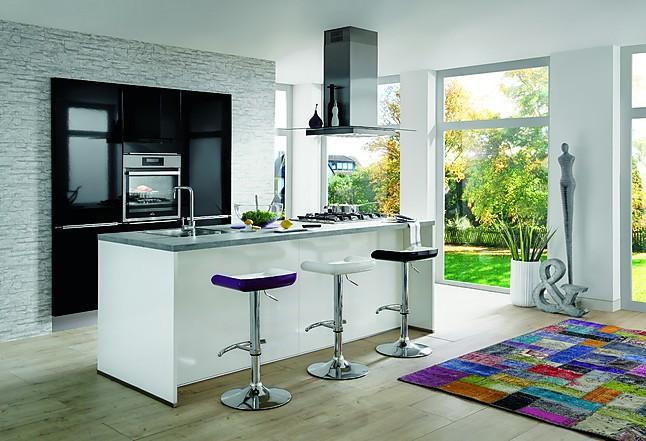 Moderne Keuken Ontwerpen : Nobilia showroomkeuken design eiland keuken wit hoogglans moderne