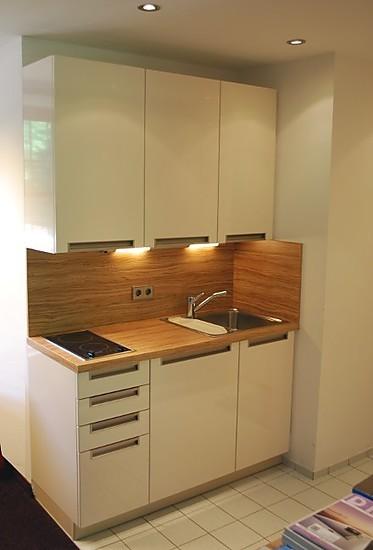 Alles over kleine keukens bij keukenatlas - Keuken kleine ruimte ...