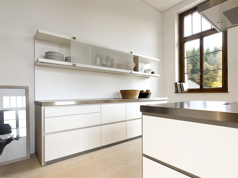 ... . Zuordnung: Stil Design-keukens, Planungsart Keuken met keukeneiland