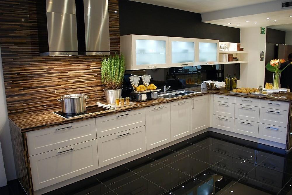 Keuken L Vorm Met Bar : vormige keuken deze keuken in de l vorm moet het optisch vooral