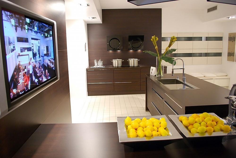 Keuken met geïntegreerde televisie