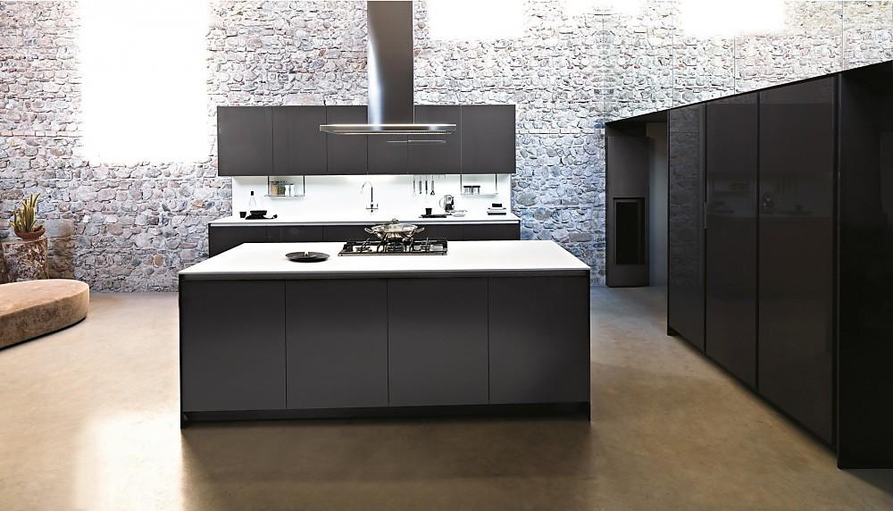 L vormige keuken met eiland zwart wit