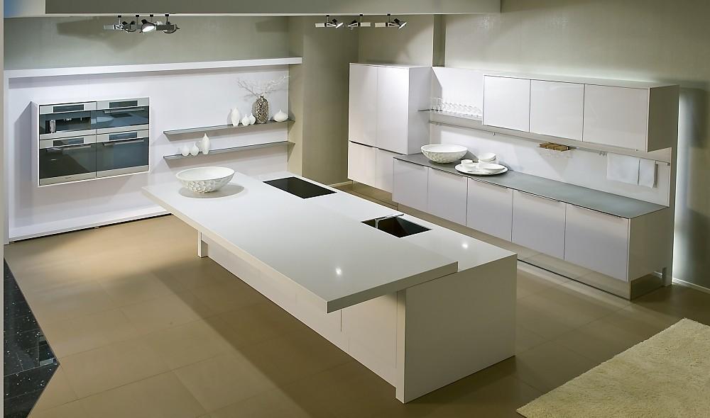 Nkleurige eilandkeuken in l vorm wit - Centrum eiland keuken ...