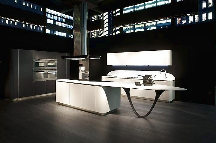 L keuken met eiland zwart wit