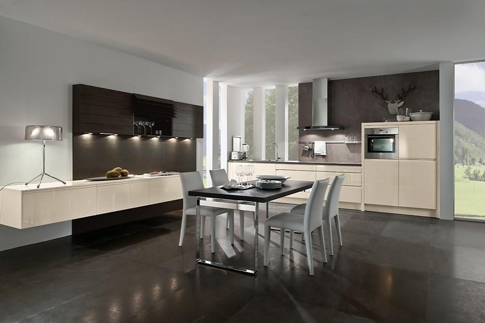 Moderne keuken acacia hout met grijs aanrechtblad