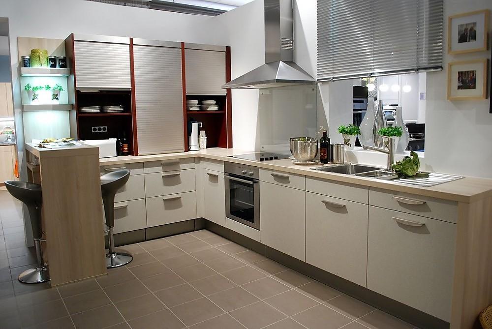 Keuken L Vorm Met Bar : Structuur beige keuken met eetbar (Sch?ller Keukens)