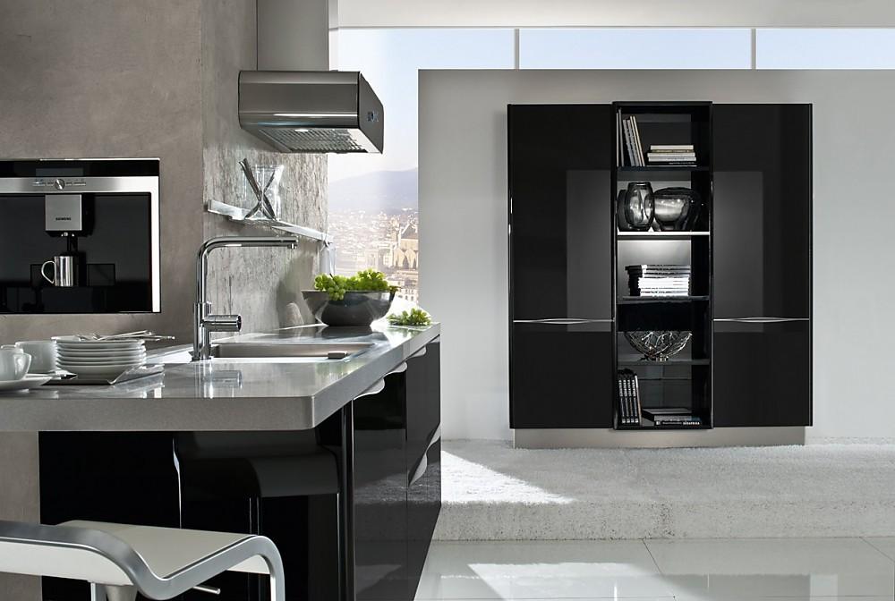 Eiland Keuken Zwart : Eilandkeuken in het zwart met metallic accenten