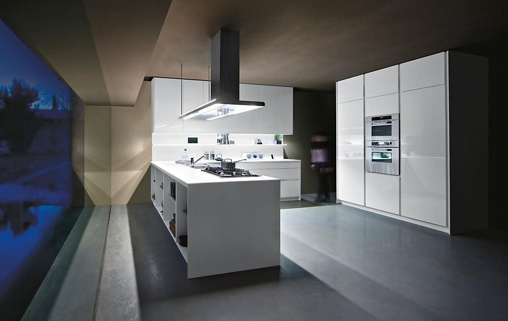 Family greeploze u keuken in moderne stijl wit glanzend - Moderne designkeuken ...