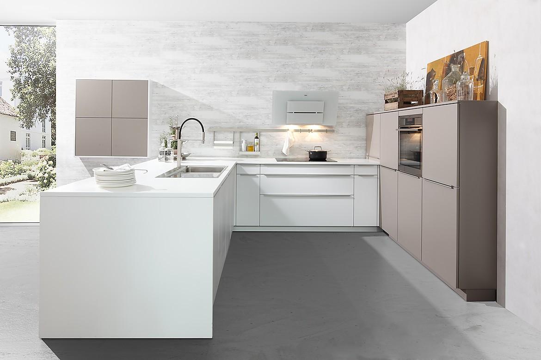 Keuken Zithoek Maken : keuken met zithoek en zacht wit oppervlakte van kunststof: een keuken