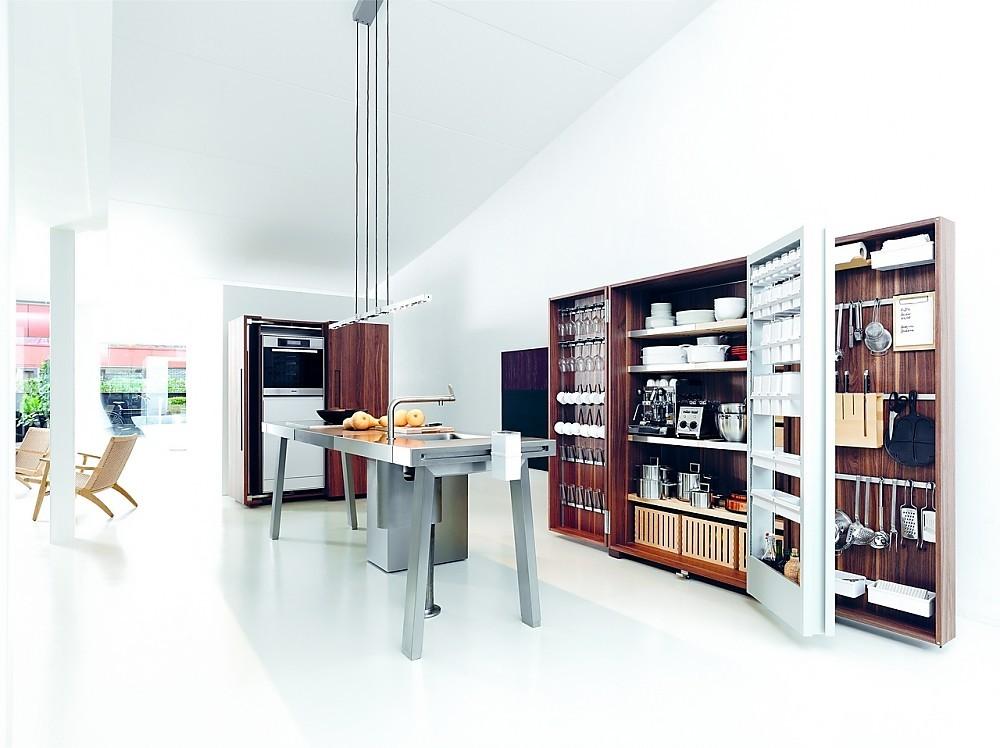 Open keukenwerkplaats b met werkbank van roestvrij staal