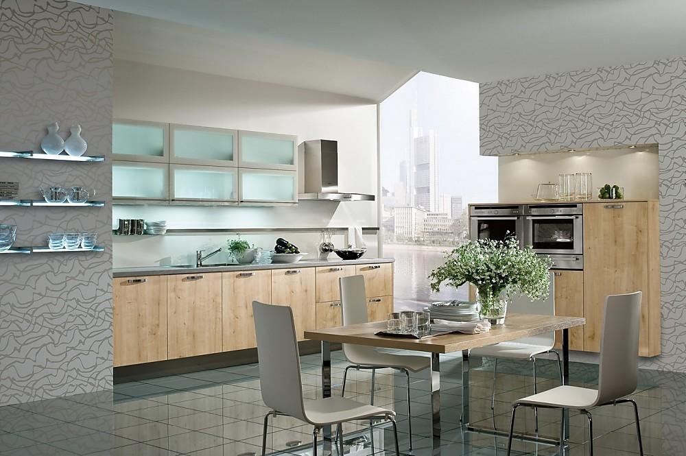 Klassieke keuken in eikenimitatie