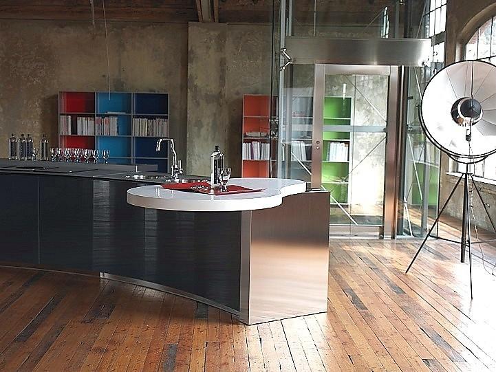 Luxe Keukenmerken : Designkeuken Alessi Volo in zwart en roestvrij staal (Valcucine